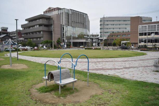 花北ふれあい公園の遊具