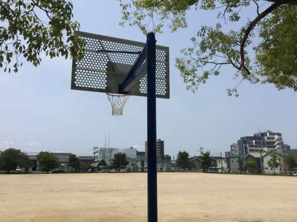 井田公園のバスケットゴール