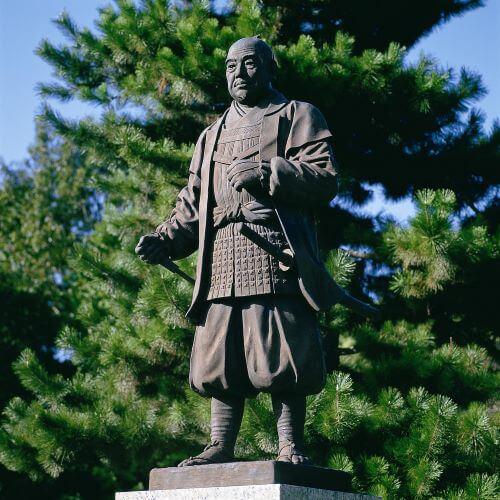 岡崎公園にある徳川家康像