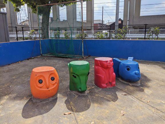 早川公園のカラフルオブジェ
