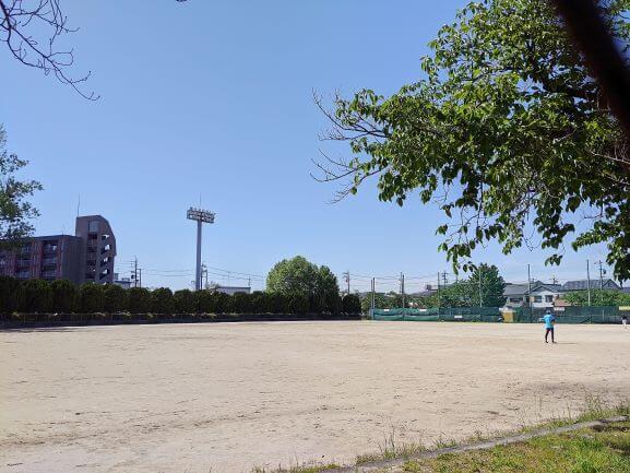 日名公園のグラウンド